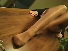 Lengthy leg pleasures
