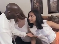 Interracial FFM threesome performance