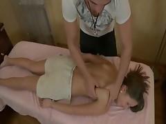 babe gets a hardcore pussy massage