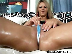 Ashlynn Brooke rubs and gets impaled