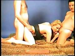 Threesome sex is fun