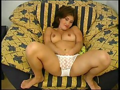 Bitch horny from phone sex 1