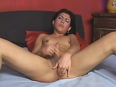 T-girl Dayane Callegare enjoys getting banged