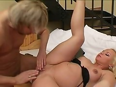 hot  pregnat blond fucked