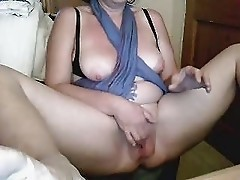 wife showing and chatting on web
