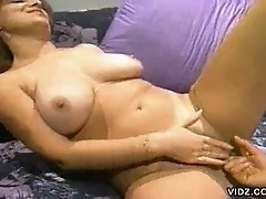 Plump hottie loves getting her pussy wet
