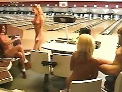 Naked bowling (ft. Jacqueline Lovell)