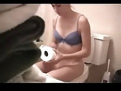 Masturbating on Toilet Homemade