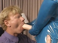 Bella Donna aka BellaDonna is fucking a guy with a strapon