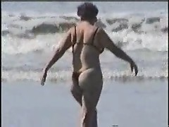 19-1- WIFE IN THE BEACH
