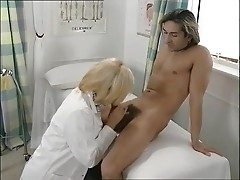 Doc smokes dick in the patient's examination room