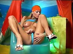 Awesome Solo Blonde