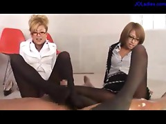 4 Office Ladies In Pantyhose Rubbing Guy Cock With Their Feets Using Oil Cum To Legs On The Floor