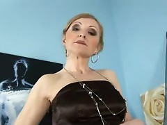 Mom blows a dick and spreads wide
