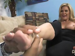 Sexy cougar Ginger Lynn getting the jizz out of a black dick