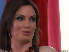 Brazzers Mommy Got Boobs Diamond Foxxx in Helping with the Chores