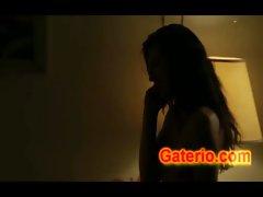 Milla Jovovich Desnuda y Follando en Stone
