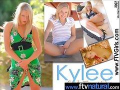 Teen Cute Amateur Girl Masturbate movie-07