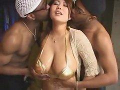 xxxbunker.com   3sum 2012 sharing big tits babe