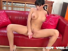 Emma Squirts with her pink Dildo 2