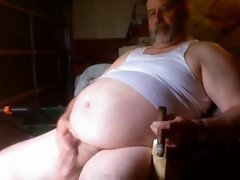 Fat Cigar Daddy Beats Off