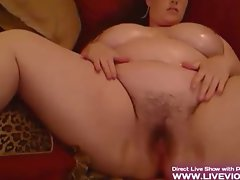 Perfect hairy bbw with glasses masturbates