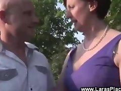 Mature invites stranger for casual sex