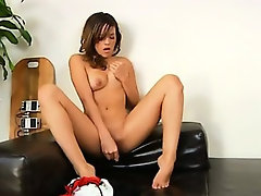 brunette making solo vibrating show