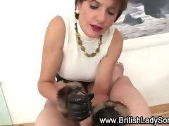 Lady Sonia gives handjob cumshot