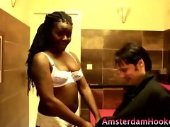 Dirty slut prostitute gets sucking for cold hard cash
