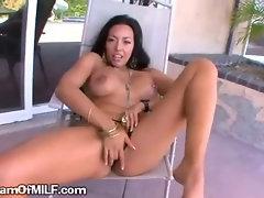 Hot Latina Wants To Fuck