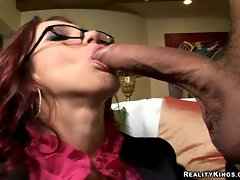 Hot ass Kylee Strutt Works Giant Wang With Her Hungry Mouth