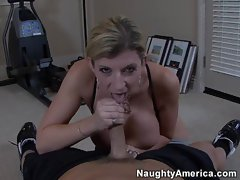 Sara Jay drops to her knees and sucks dick like a good whore
