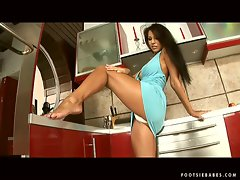 Can you handle the heat in the kitchen with sex milf Pocahontas exposing legs?