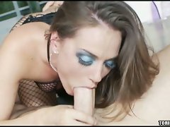 Cock choking Tori Black fills her mouth with a meaty man sausage and loves it