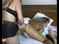Huge dildo stretches out blonde pussy