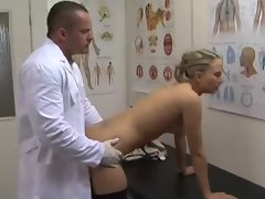Doctor likes to fuck the stockings girl