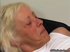Horny grandma gets her wet pussy fucked