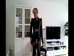 sissy_sexy_leather_outfit_01