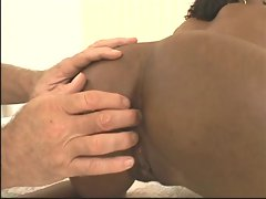 Ebony Star Kiwi in Up and Cummers #109