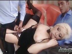 Sexy slut Lea Lexus digs her mouth with a meaty erect boner she loves