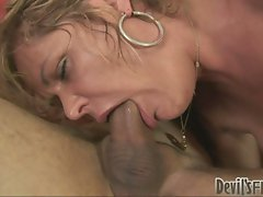 Dirty milf Kelly Leigh sucks on her man's cock like it was candy