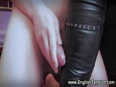 Domina enjoys have her feet worshipped