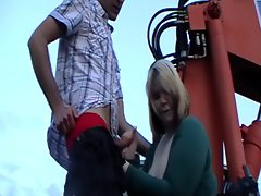 German BBW becky the sexblonddi blowjobs a guy on a digger
