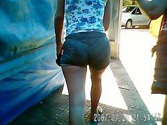 Outro shorts no meio do rabo