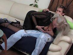 Elaine seduces her daughter&,#039,s boyfriend