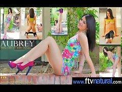 Amateur Teen Girls Masturbating With Dildos clip-04
