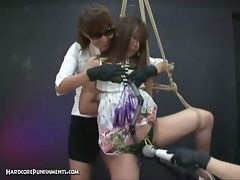 Hot slut is slaved and tied in ropes by rigid master