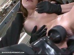 Japanese girl in bondage getting tortured