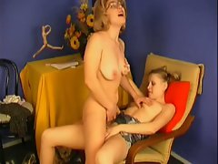 Teen gets lesbian pussy eating by mature milf